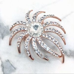 Jewelry - Rise Gold Crystal Brooch